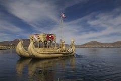 Titicaca łódkowaty jezioro Peru Obraz Royalty Free