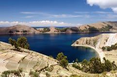 Titicaca blauw meer, Bolivië Stock Afbeelding