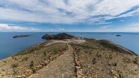 Titicaca do lago na beira de Bolívia e de peru Fotos de Stock Royalty Free