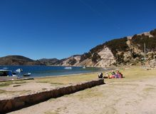 Titicaca-See Bucht in Isla de sol in Bolivien-Bergen Lizenzfreies Stockbild