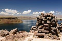 επικήδειοι πύργοι titicaca silustrani του Περού λιμνών Στοκ Εικόνα