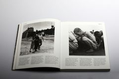Photography book by Nick Yapp, war prisoners in North Korea 1950. Title of book: 1950s: Decades of the 20th Century. Chapter 2, Conflicts, page 50-51. war stock images