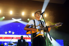 Tito Παρίσι συναυλία, σκηνή υποβάθρου σημαιών Πράσινου Ακρωτηρίου στοκ φωτογραφίες