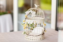 Titolare della carta della gabbia per uccelli di nozze Fotografia Stock Libera da Diritti