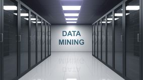 Titolo del DATA MINING sulla parete di una stanza del server illustrazione di stock
