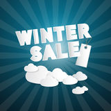 Titre de vente d'hiver sur le fond abstrait de ciel bleu Photo stock