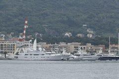 Tivat Montenegro - JUNI 16: Guld- Odysseyyacht i porten av Tivat på JUNI 16, 2014 Royaltyfria Bilder