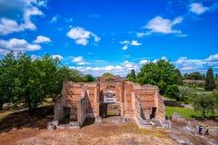 Tivoli - cultureel Rome de reis archeologisch ori?ntatiepunt van Villaadriana in het satellietbeeld van Itali? van het Drie Exedr stock foto