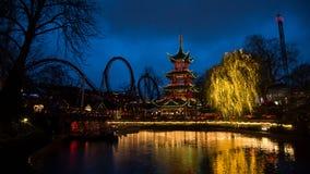 Tivoli-Gärten bis zum Nacht lizenzfreies stockbild