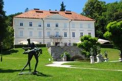 Tivoli Schloss und Statue Stockbilder
