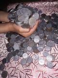 Tjäna online-pengar Fotografering för Bildbyråer