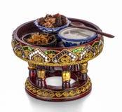 Tjänade som kunglig thailändsk för kokkonst` för kokkonst kunglig thailändsk för den Kao Chae soakeds för ris ` lagade mat jasmin Arkivfoto