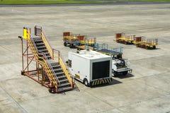 Tjänste- medel för flygplats Arkivbilder