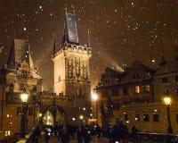 Tjeckien - snöa i Prague royaltyfria foton