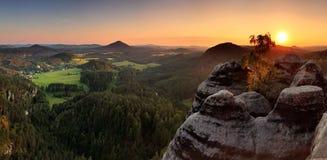 tjeckisk bergsolnedgång switzerland Arkivbild