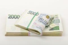 Tjeckisk tusen för sedlar 5 och 2 kronor Fotografering för Bildbyråer