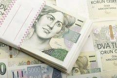 Tjeckisk tusen för sedlar 5 och 2 kronor Royaltyfri Fotografi