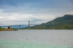 Tjeldsund most między stałym lądem i Lofoten wyspami, Norwegia Obraz Stock