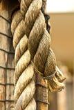 tjockt gammalt rep för hemp arkivbild