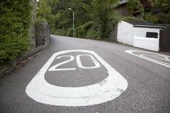 Tjugo Mile per timme rusar begränsar att markera Arkivbild