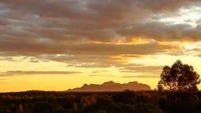 Tjutas del kata de la puesta del sol imagenes de archivo