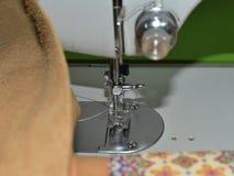 tkaniny pozioma ogniska zamkniętej maszynowa orientację igielna szyje Obrazy Stock