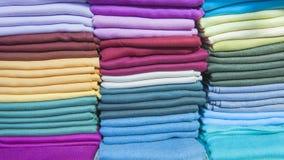 Tkaniny przy wprowadzać na rynek kram Zdjęcie Royalty Free