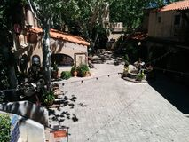 Tlaquepaque-Butiken-Einkaufszentrenpiazza in Sedona lizenzfreie stockfotografie