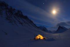 Tält på natten Royaltyfria Bilder