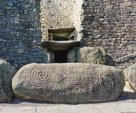 Túmulo megalítico da passagem, Newgrange, Ireland Fotos de Stock Royalty Free