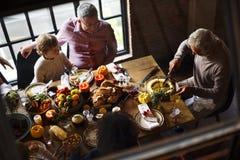 Tnący Dyniowego kulebiaka dziękczynienia Deserowy pojęcie obraz royalty free