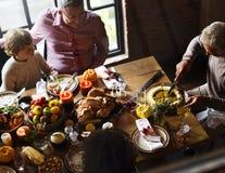 Tnący Dyniowego kulebiaka dziękczynienia Deserowy pojęcie fotografia royalty free