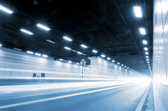 Túneis e carro Imagem de Stock Royalty Free