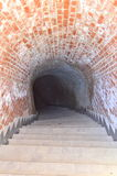 Túnel secreto - ciudadela de Carolina en Alba Iulia, Rumania Foto de archivo