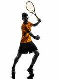 Tênis do homem que comemora a silhueta do jogador Foto de Stock Royalty Free