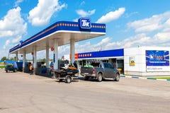 TNK-Tankstelle TNK ist einer der größten russischen Ölkonzerne Lizenzfreies Stockbild