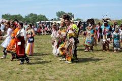 Tänzer des amerikanischen Ureinwohners Stockfotos