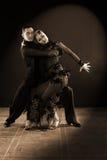 Tänzer im Ballsaal lokalisiert auf Schwarzem Lizenzfreies Stockbild
