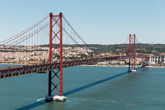 25to de April Bridge en Lisboa, Portugal Fotografía de archivo libre de regalías