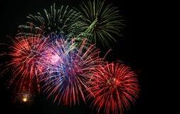 4to de la exhibición de los fuegos artificiales de julio foto de archivo libre de regalías