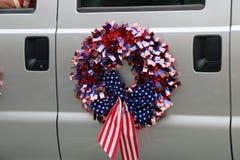 4to de la guirnalda de la bandera de julio Imagen de archivo libre de regalías