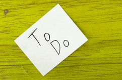 To do written on sticky note Royalty Free Stock Images