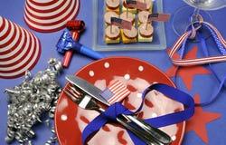 4to feliz de los E.E.U.U. cuarto del ajuste de la tabla del partido de julio Imagen de archivo libre de regalías