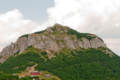 Toaca Peak (1904 m高度), CeahlÄu M 免版税库存照片