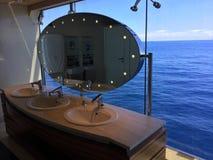 Toaleta statek wycieczkowy i denny widok Fotografia Royalty Free