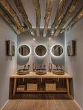Toalete no restaurante moderno Foto de Stock