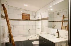 Toalett som är hemtrevlig royaltyfria foton