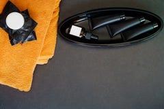 Toalettartikeluppsättning Soap stången och flytande och förkroppsliga behandling i svartPA Fotografering för Bildbyråer