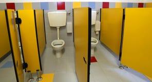 Toalety w łazience dzieciniec bez dzieci zdjęcia royalty free