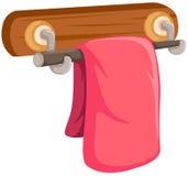 Toalha cor-de-rosa na cremalheira de madeira Fotos de Stock Royalty Free